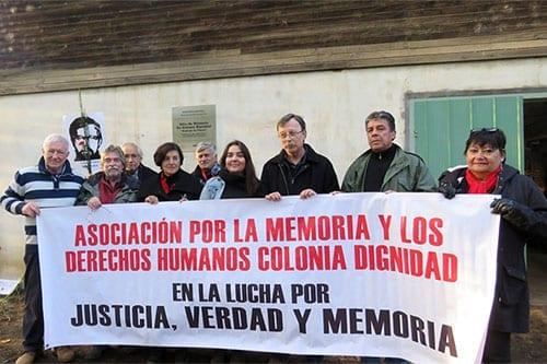 Se instala placa que reconoce a Colonia Dignidad como Monumento Histórico y Sitio de Memoria