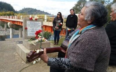 ASOCIACION POR LA MEMORIA Y DERECHOS HUMANOS COLONIA DIGNIDAD RINDE HOMENAJE A VICTIMAS