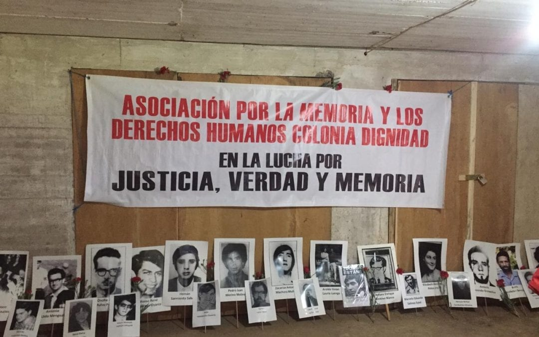 Sobrevivientes de Colonia Dignidad conmemoraron el golpe de Estado en el ex recinto de tortura y exterminio de la dictadura militar